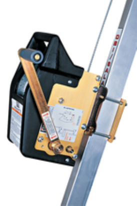 Guincho de Retração Manual com 18m de Cabo de Aço Galvanizado de 6.3 mm (1/4 in) e Mosquetão Automático Giratório (Locação)