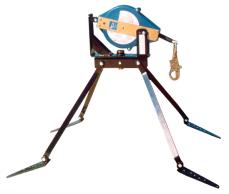 Ancoragem para Telhado Reutilizável em Quadripé Giratório com Trava-Queda Retrátil (Locação)